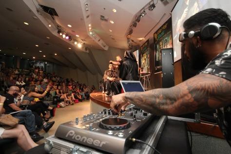 DJ ANIMA EVENTO DA RAIZ LATINA. FORAM CERCA DE 200 PESSOAS RECEBIDAS NO VALE HAIR SHOW- ARTHUR MOREIRA