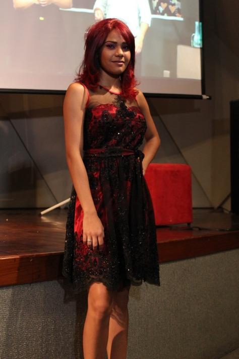 Trajes da Josephine Noivas no Vale Hair Show, da Raiz latina (1)